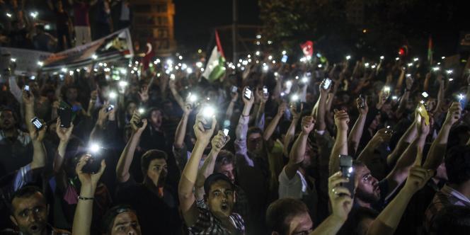 M. Erdogan, candidat à l'élection présidentielle d'août en Turquie et donné favori par les sondages, avait accusé mardi Israël de « terrorisme d'Etat » et exclu toute normalisation avec ce pays.