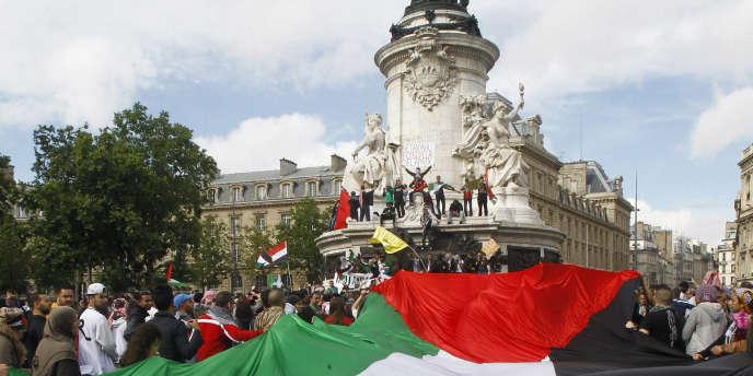 Image de la manifestation du 13 juillet à Paris, place de la Bastille.