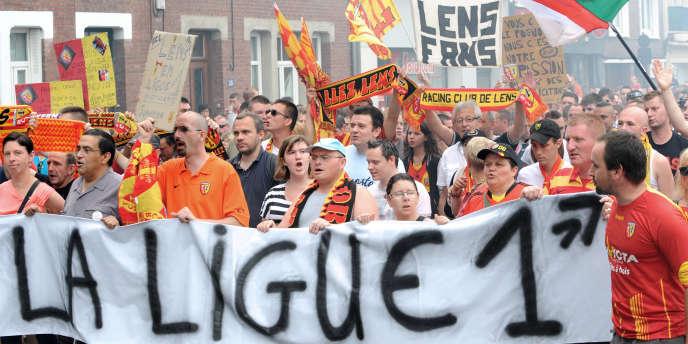 Manifestation de supporteurs, samedi 18 juillet, dans les rues de Lens.