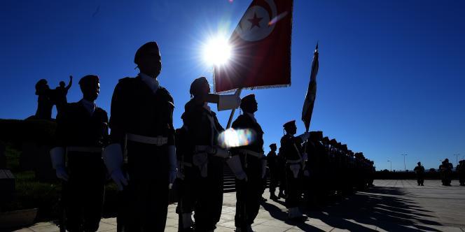 La Tunisie, un des pays les plus laïcs du monde arabe, fait face à une montée du radicalisme islamiste depuis la « révolution de jasmin » de 2011.