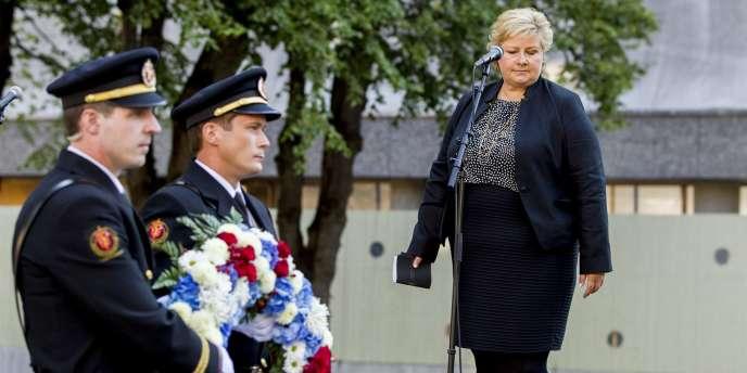 Erna Solberg, première ministre norvégienne, lors de la cérémonie de commémoration aux victimes d'Anders Breivik, le 22 juillet à Oslo.