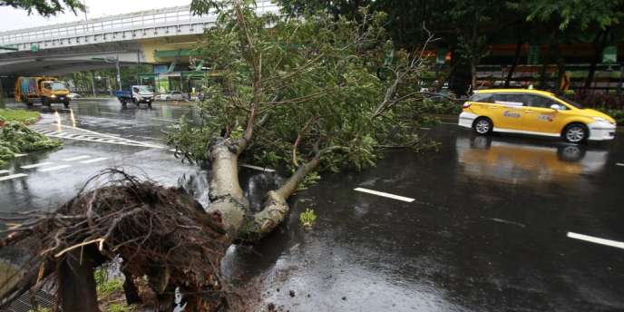 Les écoles et les marchés financiers sont restés fermés mercredi lors du passage du typhon, classé en catégorie2 sur une échelle de1 à5.