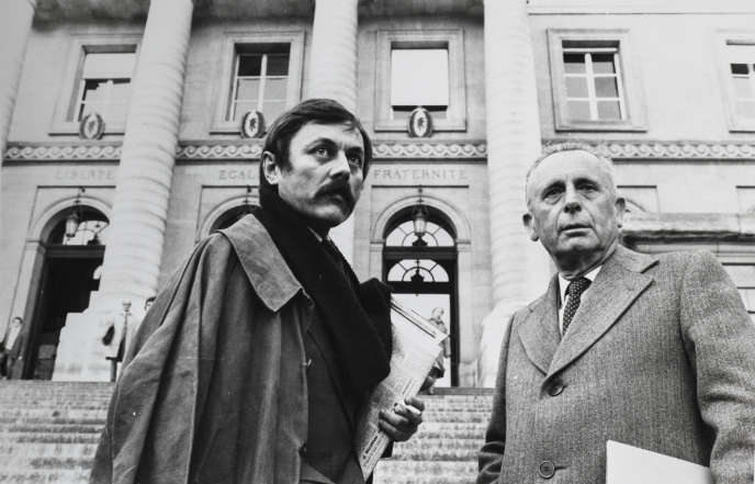 Philippe Boucher, journaliste au «Monde», et Jacques Fauvet,le directeur du journal, dans les années1980.