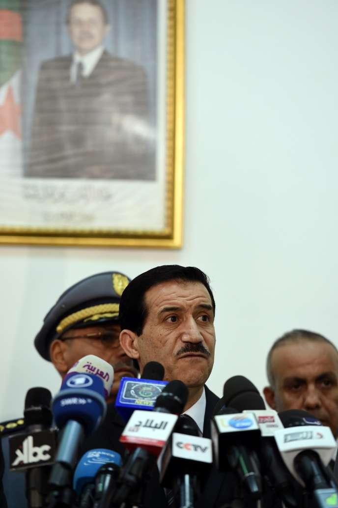 Le ministre des transports algérien Amar Ghoul à Alger le 24 juillet.