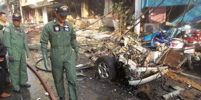 « Une voiture piégée a explosé devant l'hôtel Holiday » de Betong, dans la province de Yala, vers 16 heures (10 heures à Paris).
