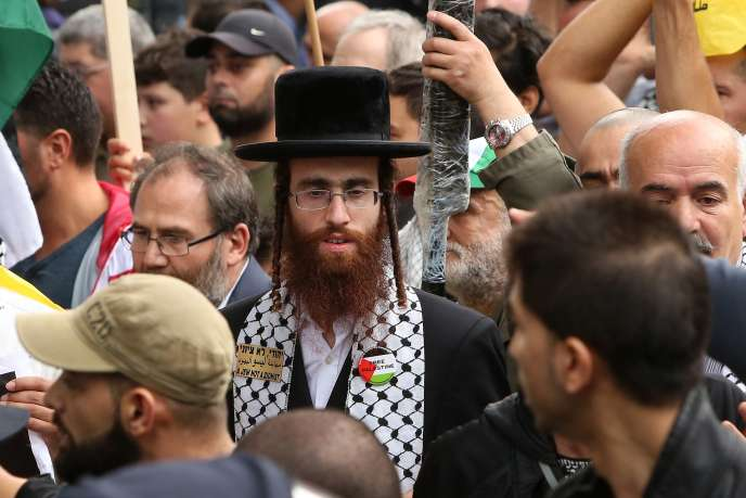 Un juif orthodoxe antisioniste à la manifestation de soutien à la Palestine organisée à Berlin vendredi 25 juillet.