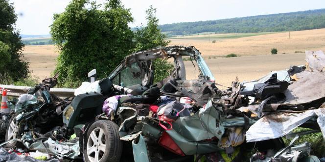 L'accident survenu vendredi 25 juillet à Saulvaux a provoqué la mort de cinq personnes.
