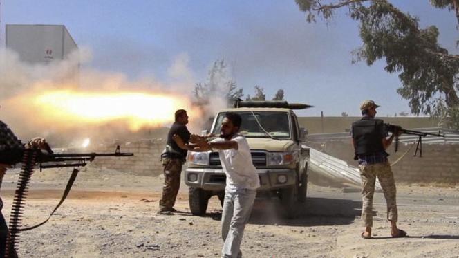 Les islamistes de Misrata au combat le 26 juillet.