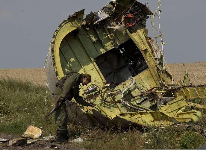 L'enquête a révélé une « décompression » liée à une « forte explosion », selon le gouvernement ukrainien. Les Pays-Bas, chargés officiellement de l'enquête, n'ont pas encore confirmé l'information.
