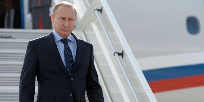 Le nouveau « paquet » de sanctions adopté mercredi devrait inclure pour la première fois des mesures contre des secteurs-clés de l'économie russe.