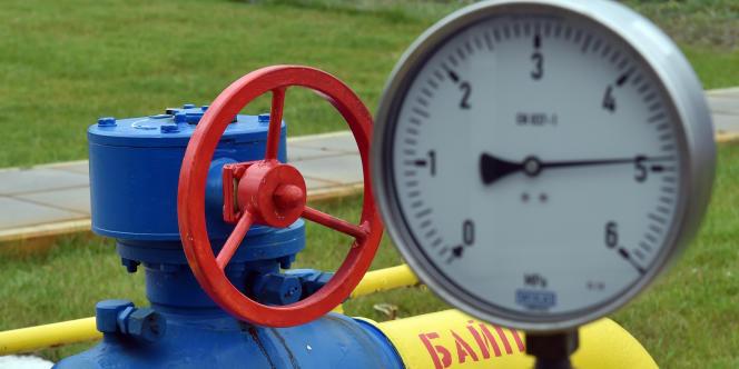 En revanche, le secteur du gaz russe, dont l'Europe est fortement dépendante, est exclu du champ de ces sanctions