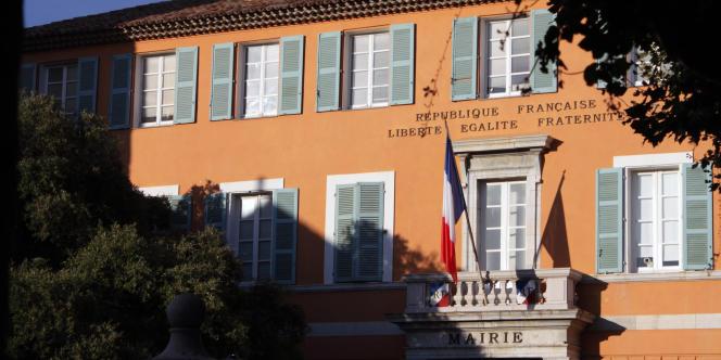 David Rachline a succédé à Elie Brun, maire de Fréjus pendant trois mandats.