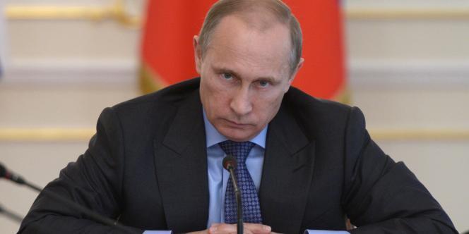 Poutine en réunion avec son cabinet, le 30 juillet.