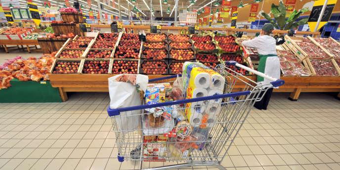 Une proposition de loi veut obliger les grandes surfaces à faire don de leurs invendus alimentaires aux associations caritatives.
