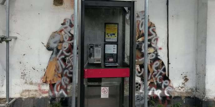 L'œuvre de Banksy vandalisée, le 1er août à Cheltenham.