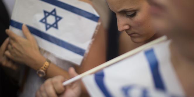 Manifestation pro-israélienne devant l'ambassade israélienne à Paris, le 31 juillet.