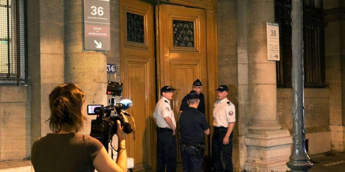 La drogue, dont la valeur de revente est estimée à plusieurs millions d'euros, était entreposée dans une pièce sécurisée et blindée et aurait disparu entre le 23 juillet et jeudi.