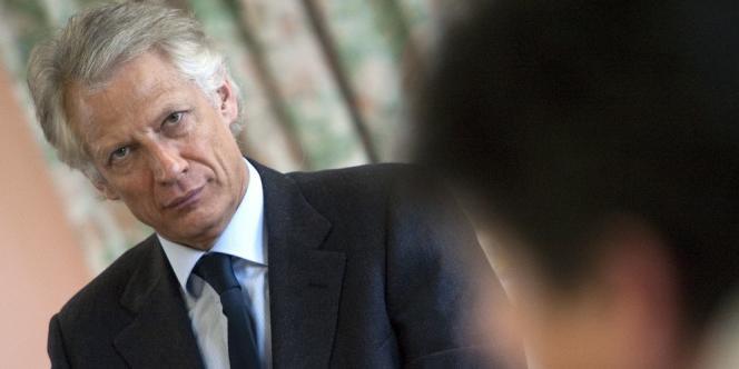 Dans une tribune au « Figaro », l'ancien premier ministre regrette l'absence de fermeté de la France et appelle à des sanctions contre Israël.