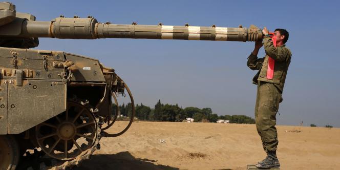 Un soldat israélien près de Gaza, le 2 août.