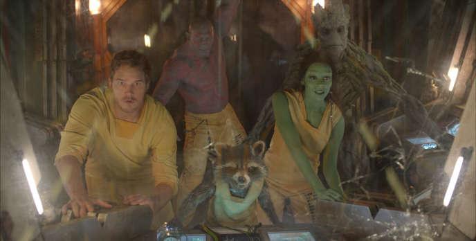 Chris Pratt, Dave Bautista, un raton laveur avec la voix de Bradley Cooper, Zoe Saldana et un arbre avec la voix de Vin Diesel dans