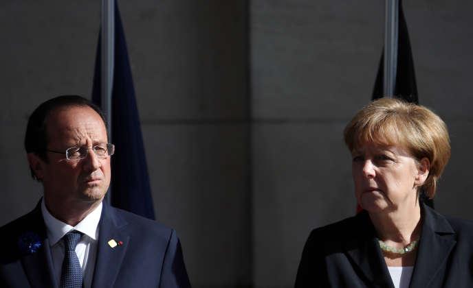 François Hollande et Angela Merkel à Ypres, le 26 juin.