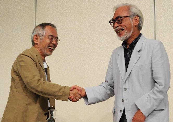 Toshio Suzuki (à gauche) et Hayao Miyazaki lors d'une conférence de presse à Tokyo, le 6 septembre 2013.