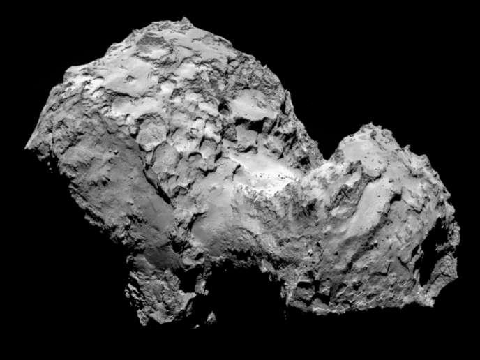 La comète Tchourioumov-Guérassimenko, vue de la sonde