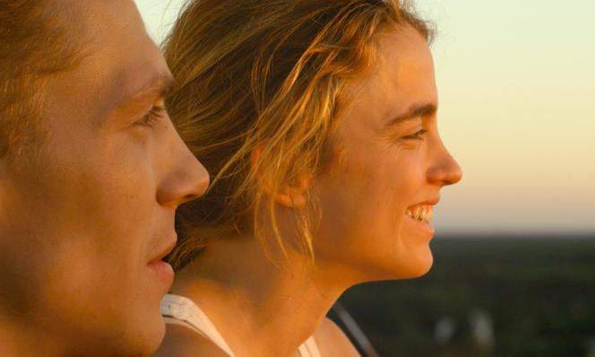 Kévin Azaïs et Adèle Haenel dans le film français de Thomas Cailley,