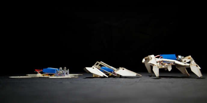 Trois étapes de la métamorphose du robot