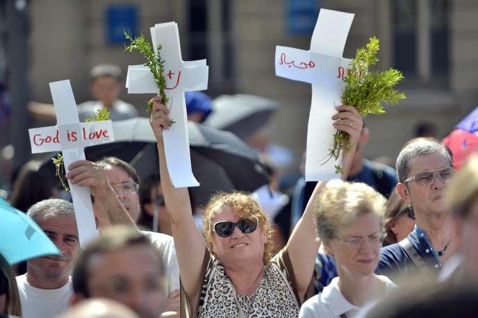 Manifestation à Lyon le 26 juillet, pour protester contre les persécutions de chrétiens en Irak.