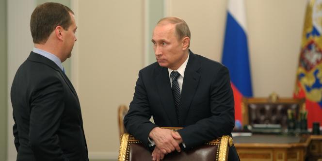 Le président de la Russie, Vladimir Poutine (à droite), et son premier ministre, Dmitri Medvedev, le 17juillet.