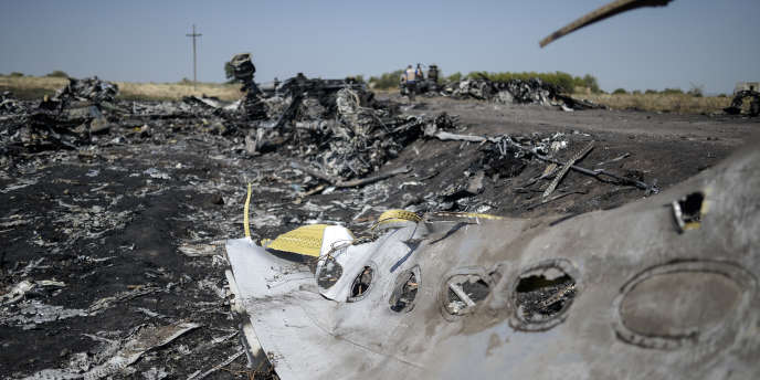 Sur le site du crash du vol MH17, dans l'est de l'Ukraine.