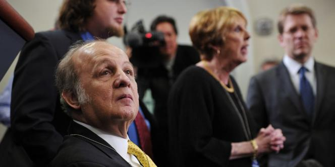 Le médecin légiste du district de Columbia a annoncé vendredi que le décès de James Brady, le 4 août à 73 ans, avait été causé par les blessures par balles qui l'avaient laissé paralysé.