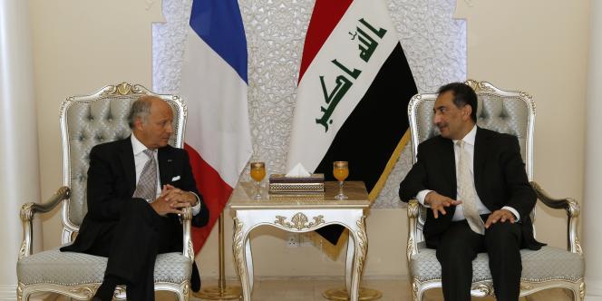 Laurent Fabius est en visite en Irak dans le cadre d'une livraison humanitaire destinée aux réfugiés de la région du Kurdistan irakien.