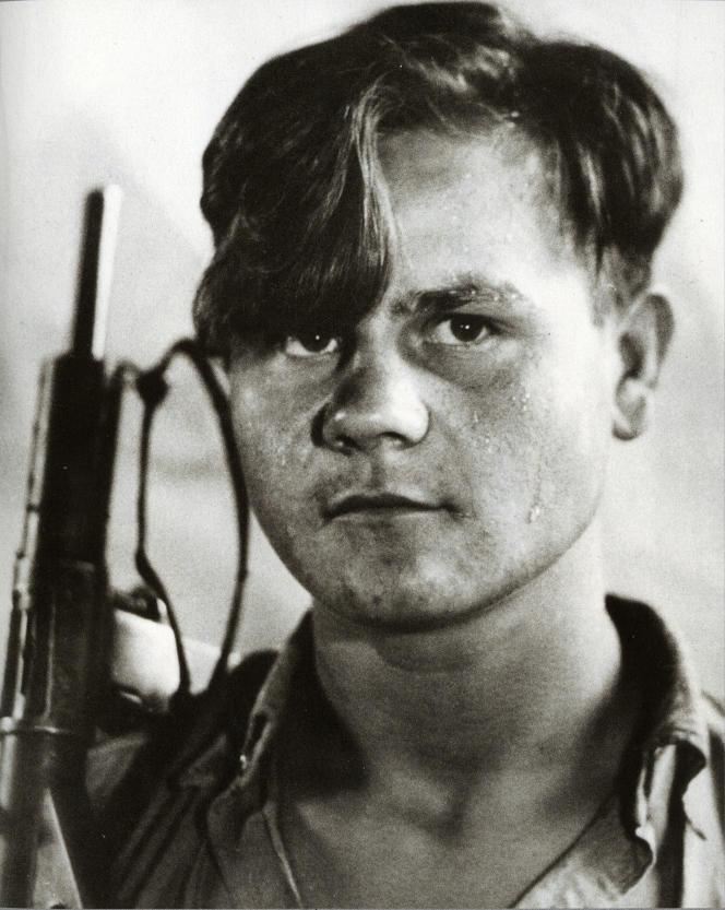 Portrait anonyme d'un maquisard réalisé par le photographe Izis, en août 1944.