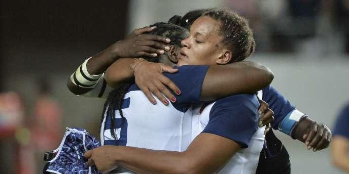 Le XV de France féminin s'est incliné face au Canada.