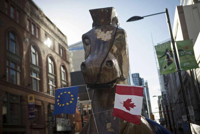 Pour ses opposants, l'accord Europe-Canada est un cheval de Troie des multinationales dans l'enceinte démocratique.