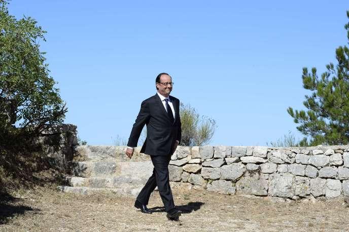 Le président François Hollande, à Toulon (Var), lors des cérémonies du 70e anniversaire du débarquement des Alliés en Provence. AFP PHOTO / ALAIN JOCARD