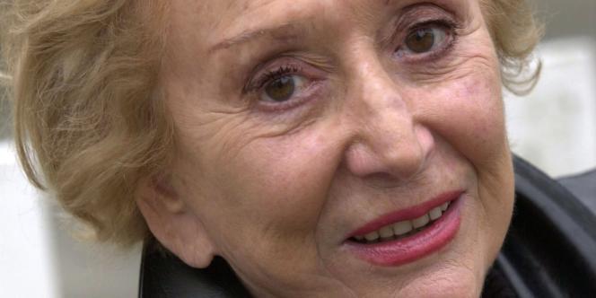 Surnommée « la Dame de cœur », Marie Grégoire, dite Ménie, est considérée comme la pionnière de la confidence sur les ondes. De 1967 à 1981, elle a dialogué avec des centaines de milliers d'auditeurs.