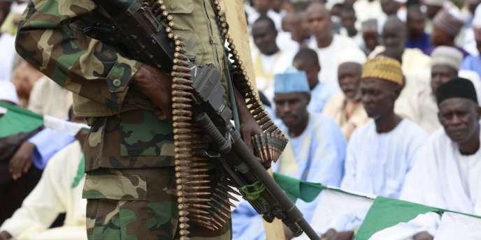 Des soldats tchadiens ont intercepté un convoi de bus transportant des villageois capturés lors d'une attaque de l'organisation islamiste le 10 août. (image d'illustration)