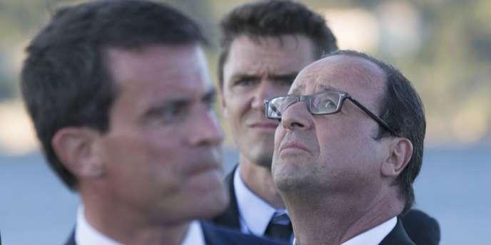 Alors que Manuel Valls a jugé « hors de question » de changer de cap malgré l'amoncellement de mauvais chiffres, de nombreux responsables politiques ont dénoncé l'entêtement de l'exécutif.