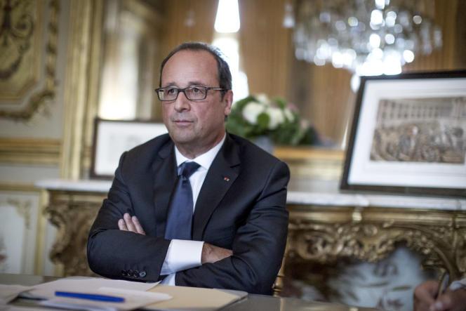 François Hollande, président de la République, répond à une interview du «Monde» dans son bureau du palais de l'Elysée, à Paris, le 19 août.