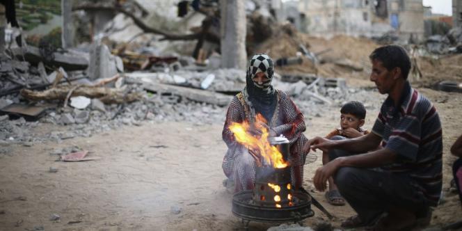 Alors que le cessez-le-feu a été prolongé jusqu'à mardi soir, le texte proposé par Le Caire prévoit un arrêt total des hostilités et des mesures pour relancer l'économie de l'enclave palestinienne.
