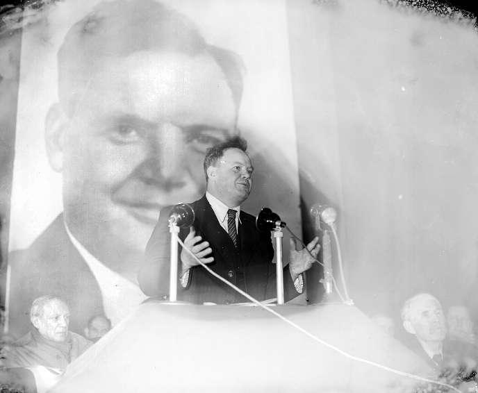 Maurice Thorez, secrétaire général du Parti communiste français.