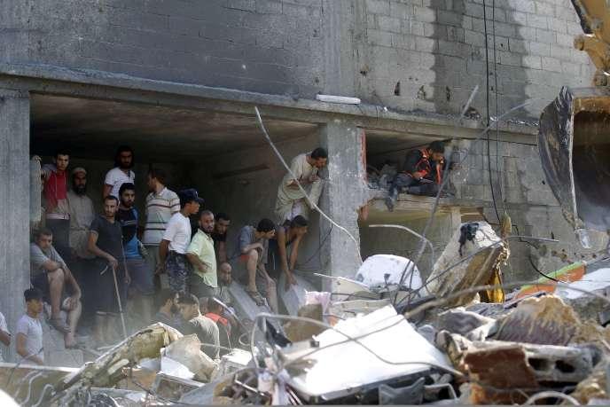 Les ruines de l'immeuble détruit à Rafah par un bombardement israélien, jeudi 21 août.
