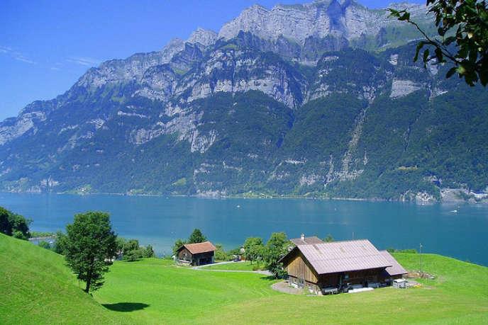 Au sein de l'OCDE, les Suisses font partie de ceux qui travaillent le plus, vivent le plus longtemps ou encore ont les meilleurs revenus.