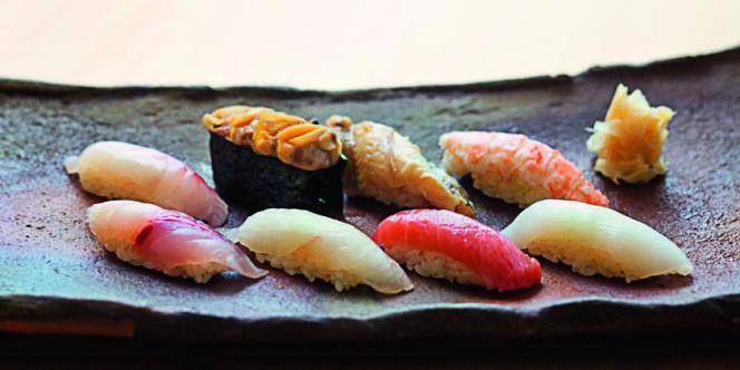 Des sushis.