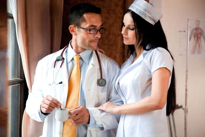 Un classique : le fantasme de l'infirmière.