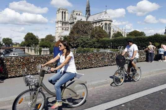 La fréquentation des pistes cyclables a progressé de 8 % à Paris en 2014, tandis que l'usage de Vélib' augmentait de 13 %.