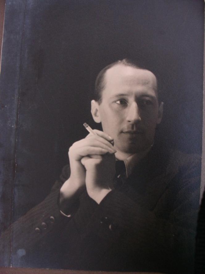 Robert Blancherie, polytechnicien et résistant pendant la seconde guerre mondiale, PDG d'une filiale de la CGE (Compagnie générale d'électricité).